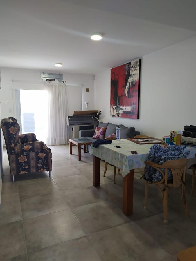 Foto Casa en Venta en  Capital ,  Neuquen  BORGES al 100