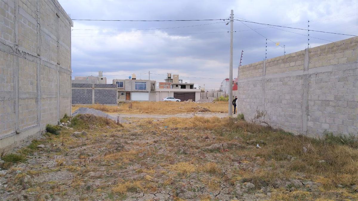 Foto Terreno en Venta en  Buenavista,  Zinacantepec  TERRENO EN VENTA EJIDO CERCA DE LA ESTACIÓN DEL TREN INTERURBANO ZINANCATEPEC