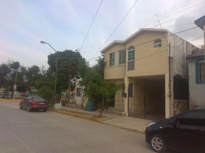 Foto Casa en Venta en  Emilio Portes Gil,  Tampico  Excelente casa independiente de 4 recamaras!!