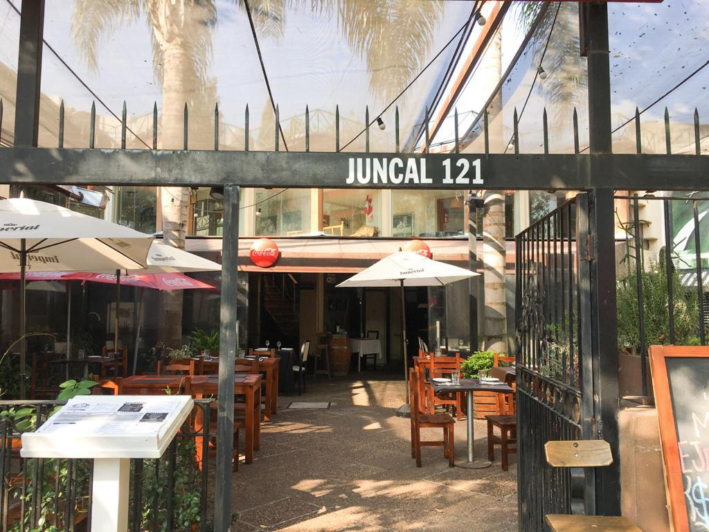 Foto Local en Alquiler en  Ituzaingó Norte,  Ituzaingó  Juncal al 100