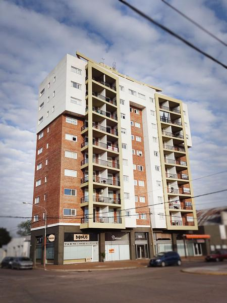 Foto Departamento en Alquiler en  General Pico,  Maraco  Av. San Martin esq. 5 - Ed. Avenida P5 D2