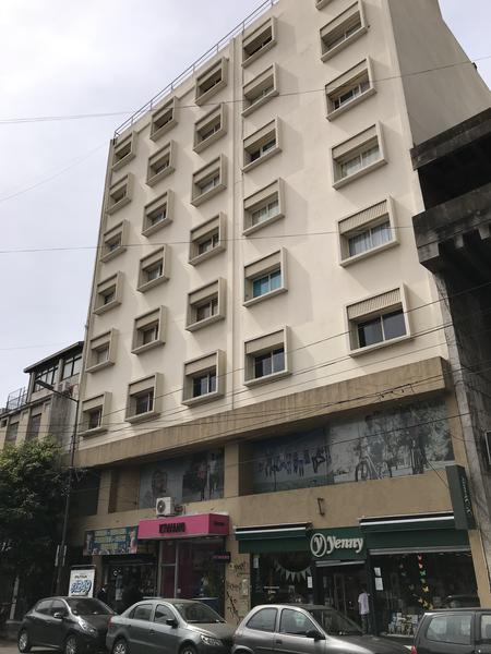 """Foto Oficina en Alquiler en  Lomas de Zamora Oeste,  Lomas De Zamora  ACEVEDO 83 e/ Boedo y Laprida - 4to. """"C"""""""