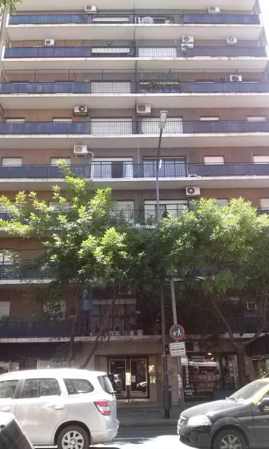 Foto Departamento en Alquiler en  Balvanera ,  Capital Federal  Rivadavia al 2000