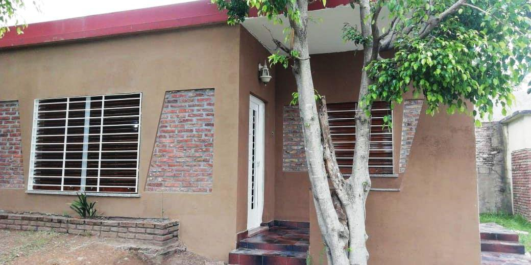 Foto Casa en Venta en  Lomas de Zamora Oeste,  Lomas De Zamora  Verdi 461