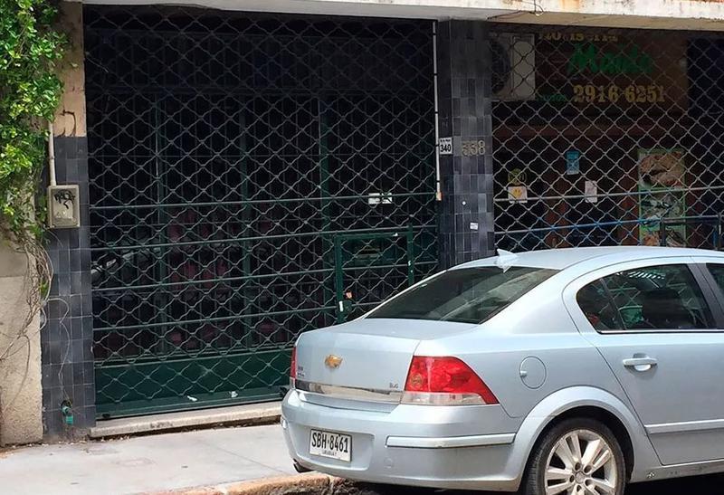 Foto Local en Venta en  Ciudad Vieja ,  Montevideo  25 de Mayo y Solís