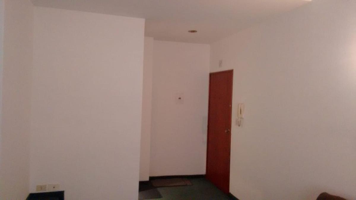Foto Departamento en Alquiler en  Centro ,  Capital Federal  SUIPACHA al 900