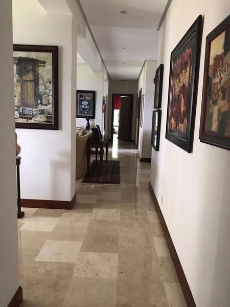 Foto Casa en condominio en Venta en  Santana,  Santa Ana  Casa en Santa Ana de 950 m2 de terreno con Piscina