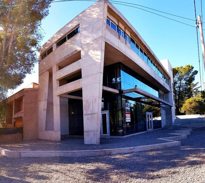 Foto Local en Venta en  Jardín Espinosa,  Cordoba Capital  Av. Richieri al 3400