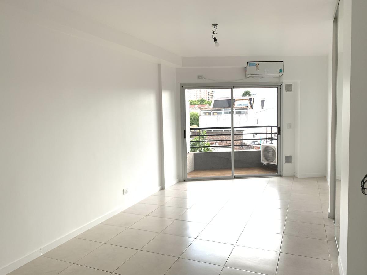 Foto Departamento en Alquiler en  Villa Devoto ,  Capital Federal  San Martin Av. al 5700