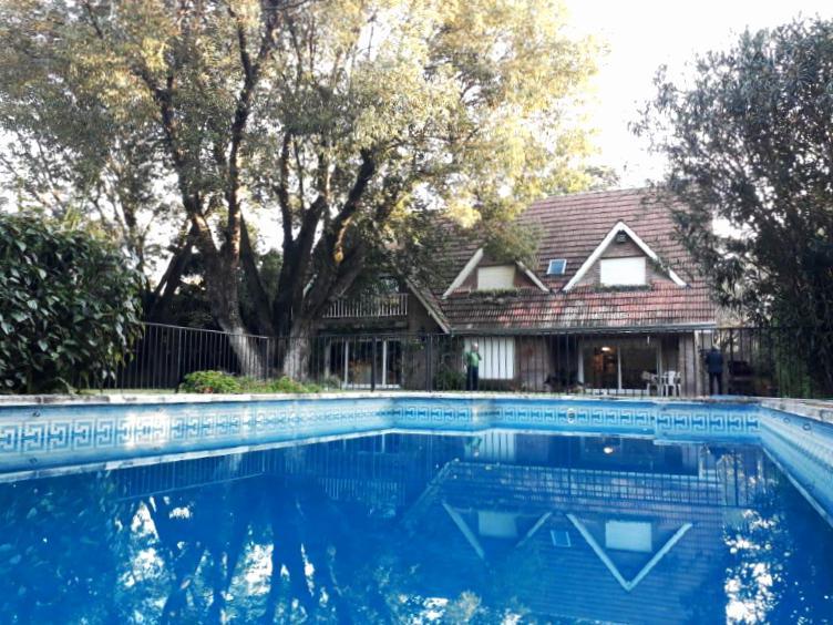 Foto Casa en Venta en  Las Lomas-Santa Rita,  Las Lomas de San Isidro  Monseñor Calcagno al 600