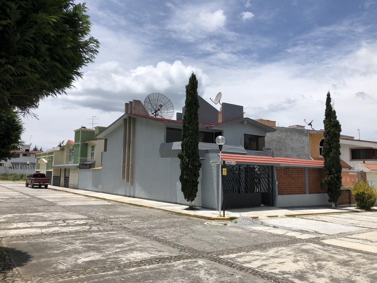 Foto Casa en condominio en Venta en  Toluca ,  Edo. de México  Jardin Poniente
