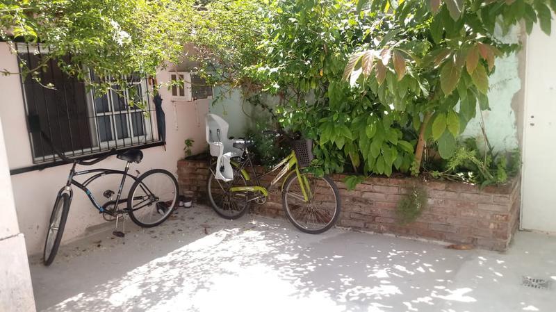 Foto PH en Venta en  Lomas de Zamora Oeste,  Lomas De Zamora  Larrea al 1000