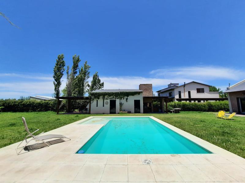 Foto Casa en Venta en  roldan,  Rosario  Andes 366