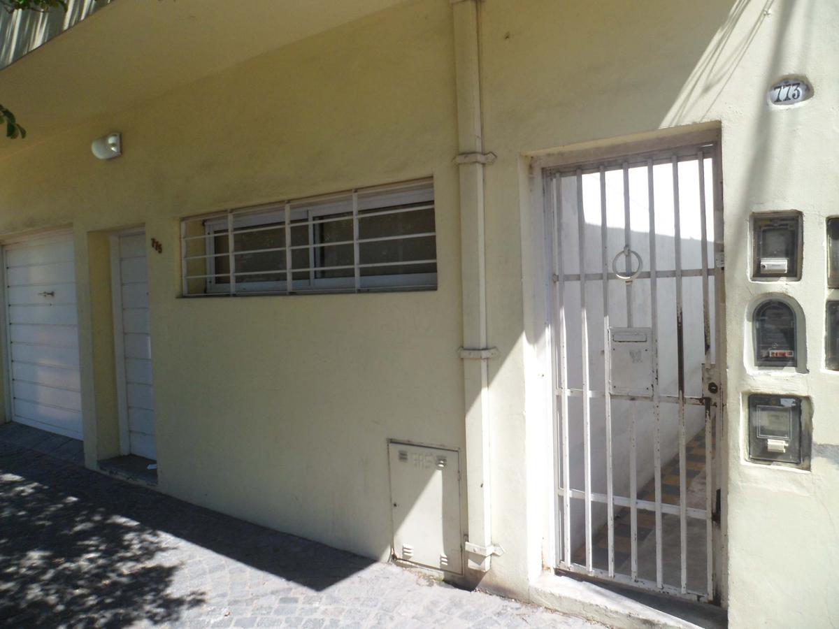 Foto PH en Venta en  Villa Saenz Peña,  Tres De Febrero  Springolo 773