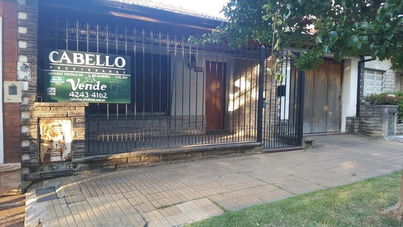 Foto Casa en Venta en  Lomas de Zamora Oeste,  Lomas De Zamora  BUSTAMANTE 1000