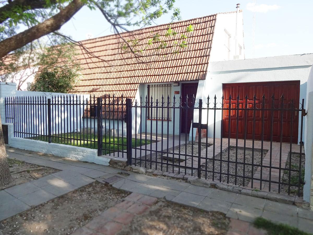 Foto Casa en Venta en  General Pico,  Maraco  305 e/ 300 y 302