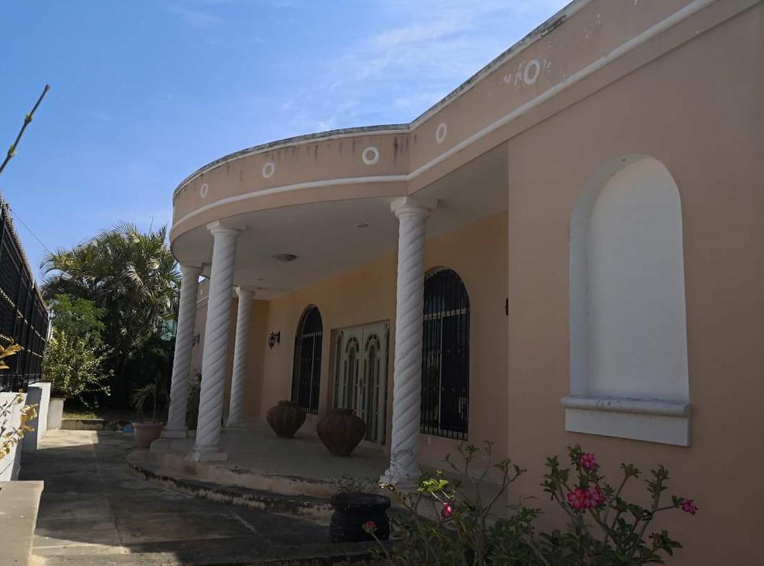 Foto Casa en Venta en  Maya,  Mérida  RESIDENCIA EN COLONIA MAYA