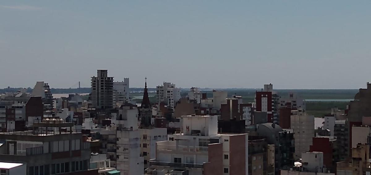 Foto Departamento en Alquiler en  Centro,  Rosario  2 Dormitorios  - Corrientes y Urquiza  Piso 17 - Impresionante vista - Sin gas