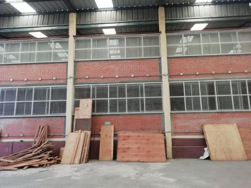 Foto Bodega Industrial en Renta en  Jiutepec ,  Morelos  Bodega en renta en CIVAC Jiutepec