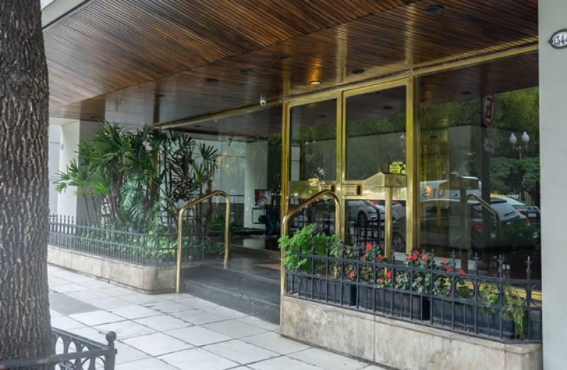 Foto Departamento en Alquiler en  Recoleta ,  Capital Federal  montevideo al 1300
