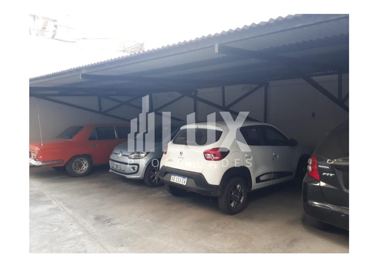 Cochera en venta Urquiza 1700 planta baja - Centro