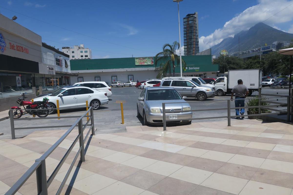 Foto Local en Renta en  Del Valle,  San Pedro Garza Garcia  RENTA LOCAL CENTRITO VALLE SAN PEDRO