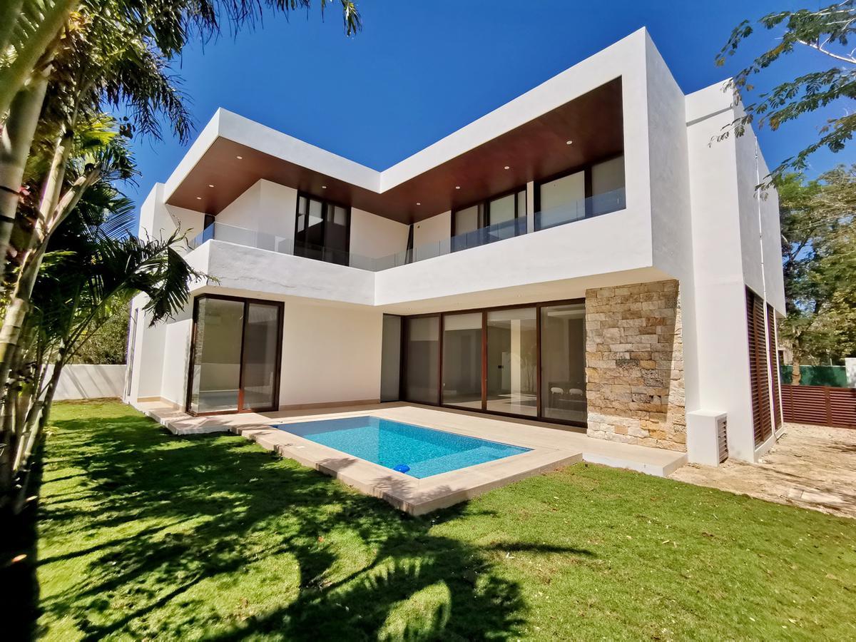 Foto Casa en Venta en  Yucatán Country Club,  Mérida  Casa en venta, 4 rec + tv-room + piscina Country Club Mérida