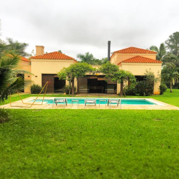 Foto Casa en Venta en  Mariano Roque Alonso,  Mariano Roque Alonso  Barrio cerrado Surubi'í