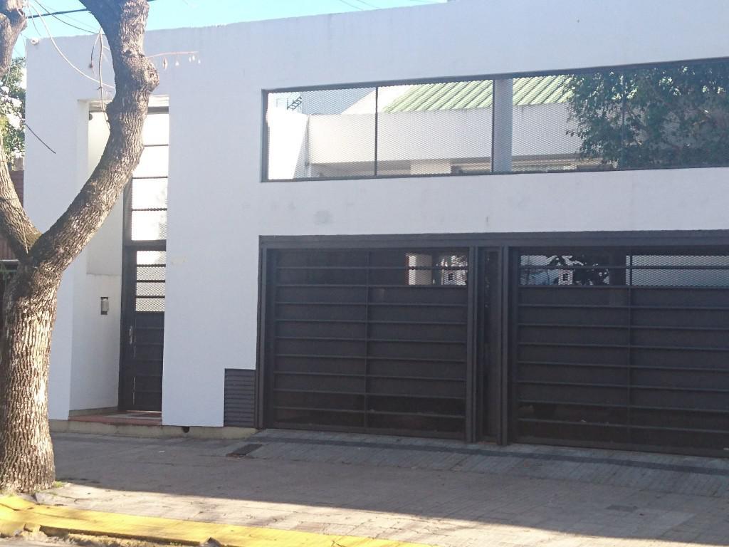 Foto Casa en Venta en  La Plata,  La Plata  12 próximo 36