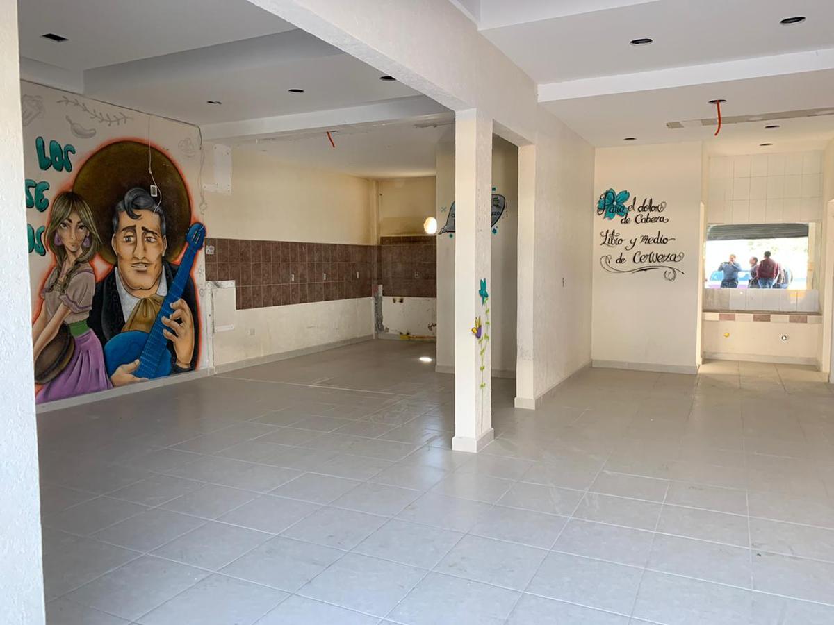 Foto Local en Renta en  San Salvador Tizatlalli,  Metepec  Las Torres al 300