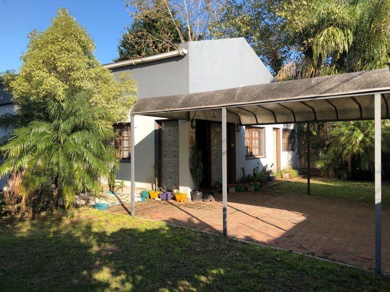 Foto Casa en Venta en  City Bell,  La Plata  483 Entre 20 y 21