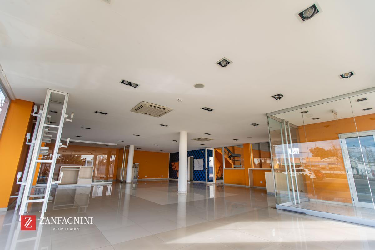 Foto Nave Industrial en Venta en  Godoy Cruz ,  Mendoza  Rodriguez Peña 2220