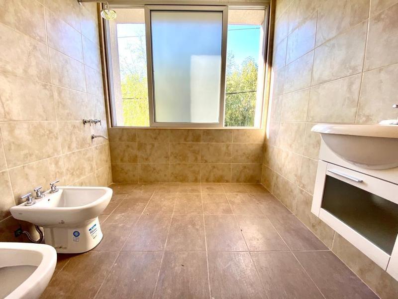Foto Casa en Venta en  Tierra de sueños 2,  Roldan  Lubich Nº al 800