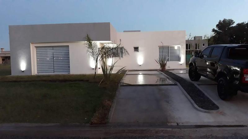 Foto Casa en Venta en  Lagos San Eliseo,  San Vicente  Moderna propiedad en Lagos de San Eliseo