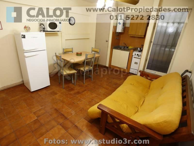 Foto Departamento en Alquiler temporario en  Retiro,  Centro  URUGUAY 800 PB