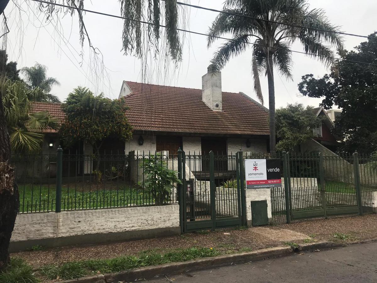 Foto Casa en Venta en  Adrogue,  Almirante Brown  Carlos Pellegrini 364