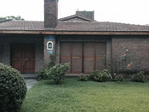 Foto Casa en Venta en  Centro (Moreno),  Moreno  De la Vega al 1200