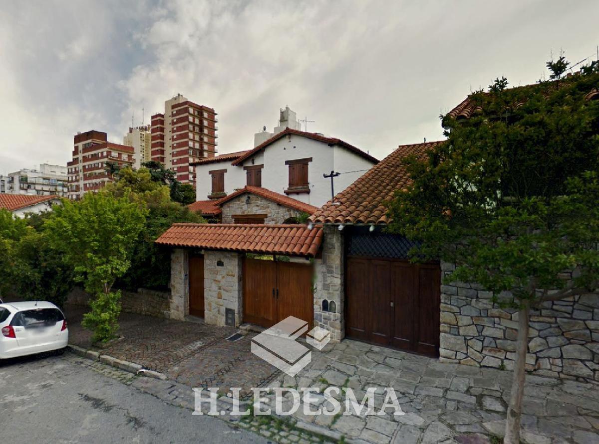 Foto Casa en Venta en  Stella Maris,  Mar Del Plata  BROWN 1100