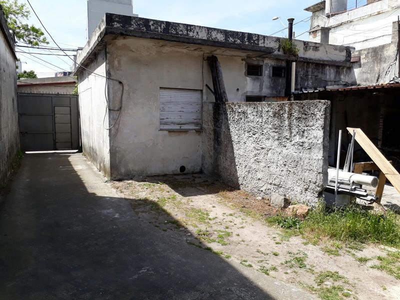 Foto Depósito en Venta en  Tres Cruces ,  Montevideo  Tres Cruces