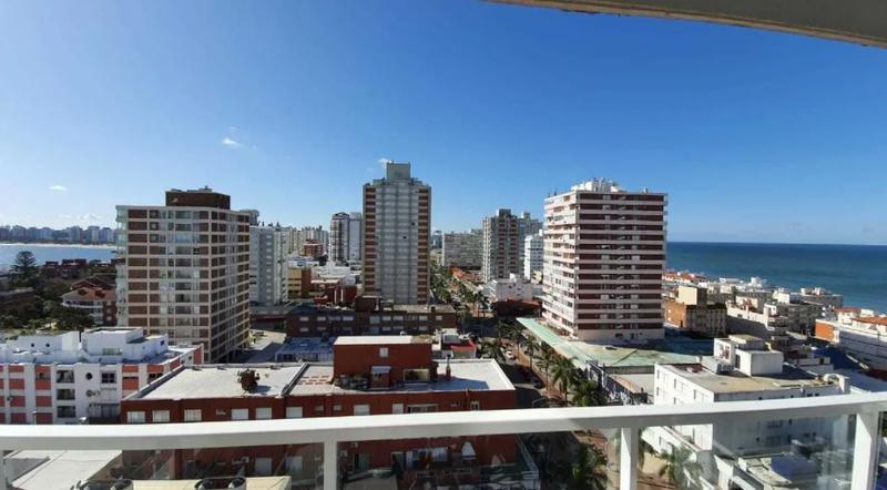 Foto Apartamento en Alquiler en  Península,  Punta del Este  Peninsula, torre con servicios