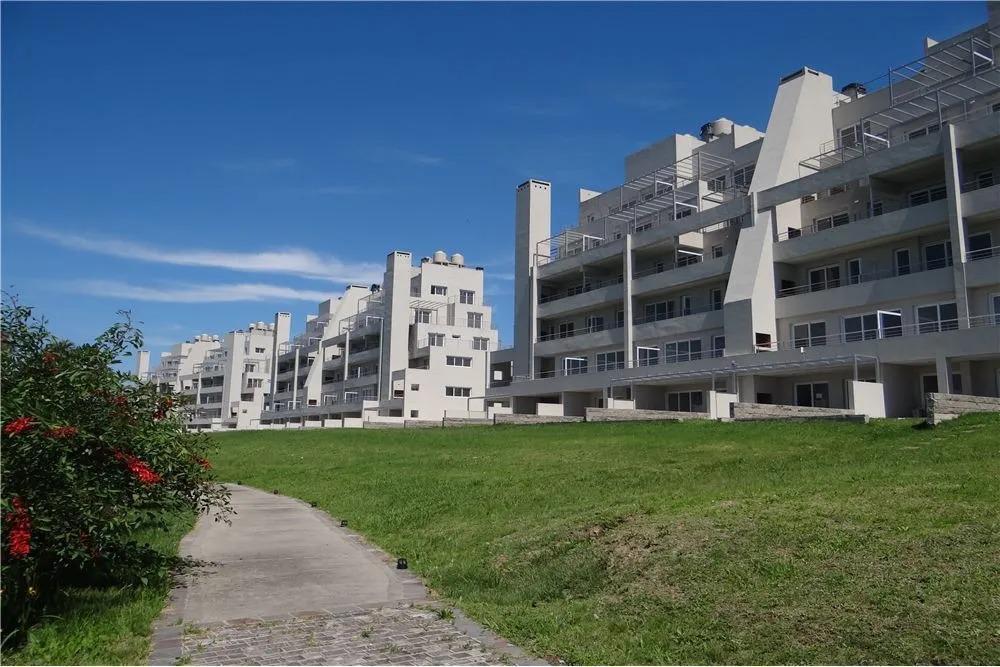 Foto Departamento en Venta en  Vila Vela,  Villanueva  Dean Funes 1694, Vila Vela, Villanueva. Departamento 4 ambientes con terrazas al lago. Venta
