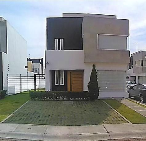 Foto Casa en condominio en Renta en  San Miguel Totocuitlapilco,  Metepec  CASA EN RENTA EN ESQUINA DENTRO DE PRIVADA EN FORESTA - METEPEC