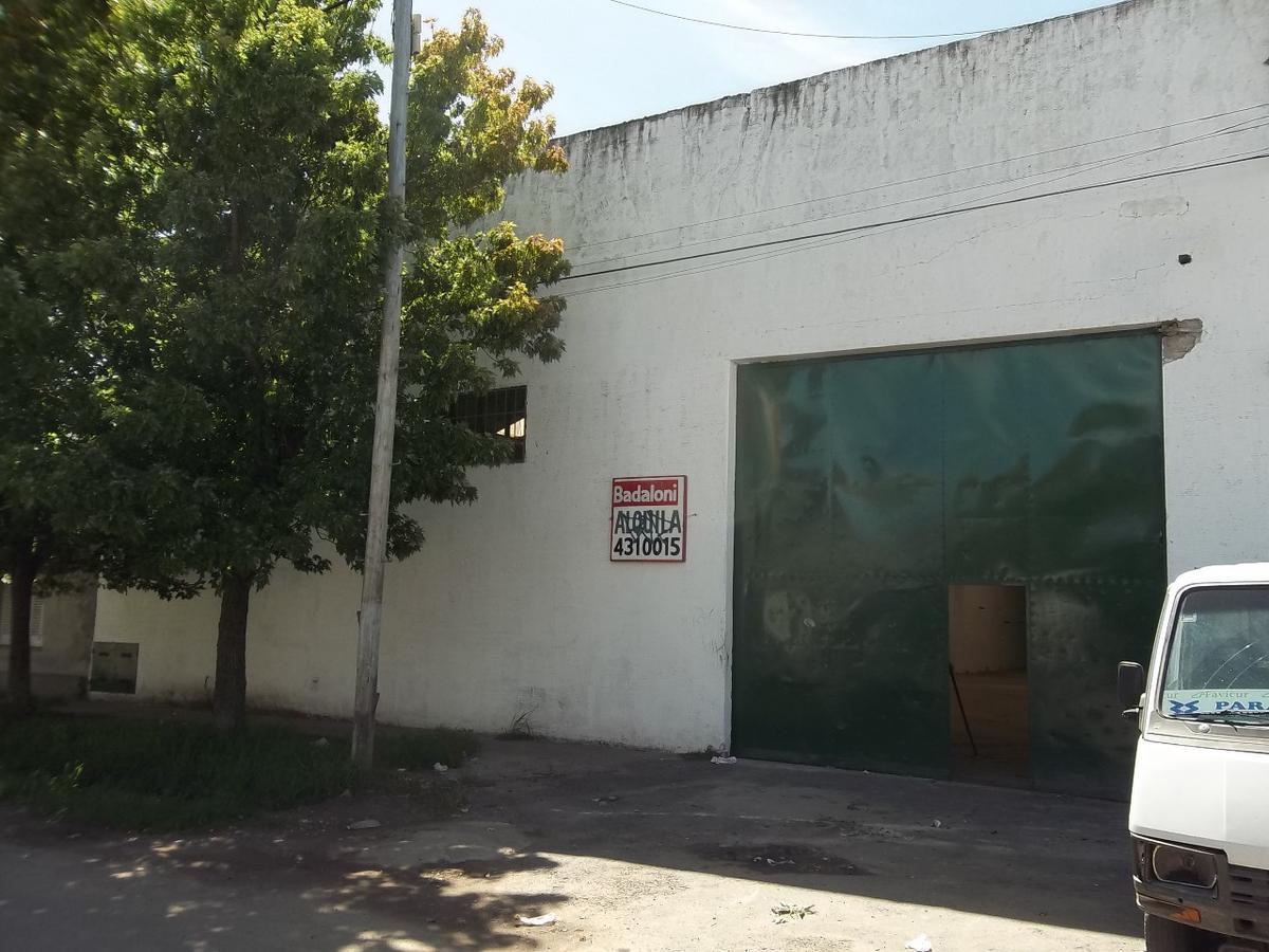 Foto Galpón en Alquiler en  Bella Vista,  Rosario  Iriondo 2945