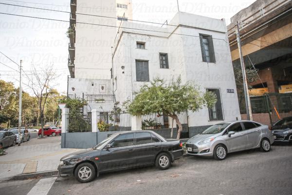 Foto Casa en Venta en  P.Chacabuco ,  Capital Federal  Pje. De Las Ciencias al 900