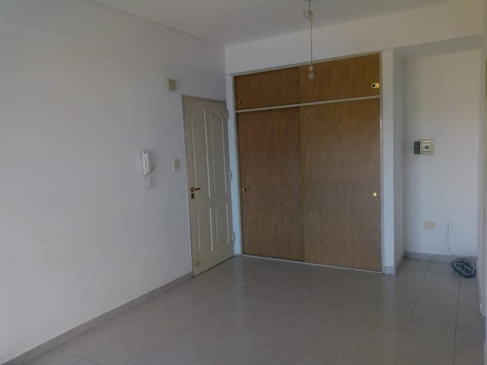 Foto Departamento en Alquiler en  Área Centro Este ,  Capital  Belgrano 750