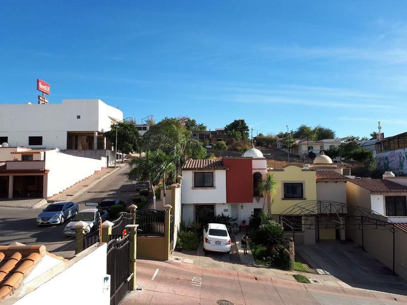Foto Casa en Venta en  Fraccionamiento Colina del Rey,  Culiacán  CASA EQUIPADA EN PRIVADA EN COLINAS DEL REY,  JUNTO WALMART MEX 68