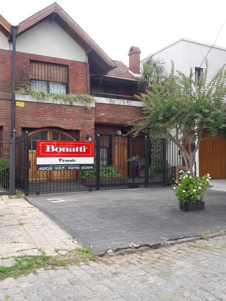 Foto Casa en Venta en  Banfield Oeste,  Banfield  GRIGERA 595  e. San Martin y Azara