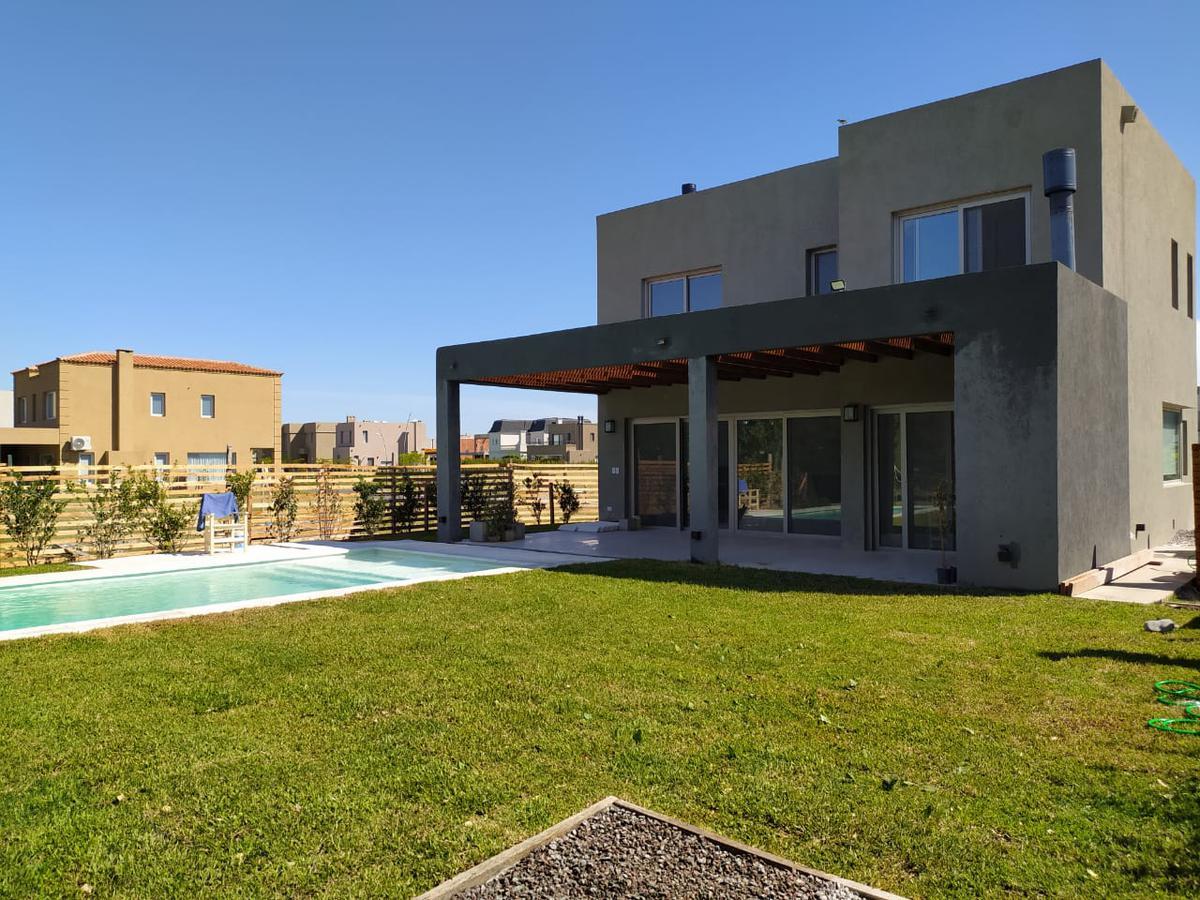 Foto Casa en Alquiler en  Los Castaños,  Nordelta  Castaños 90