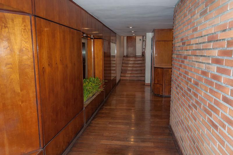 Foto Departamento en Venta en  Recoleta ,  Capital Federal  Juncal 1643
