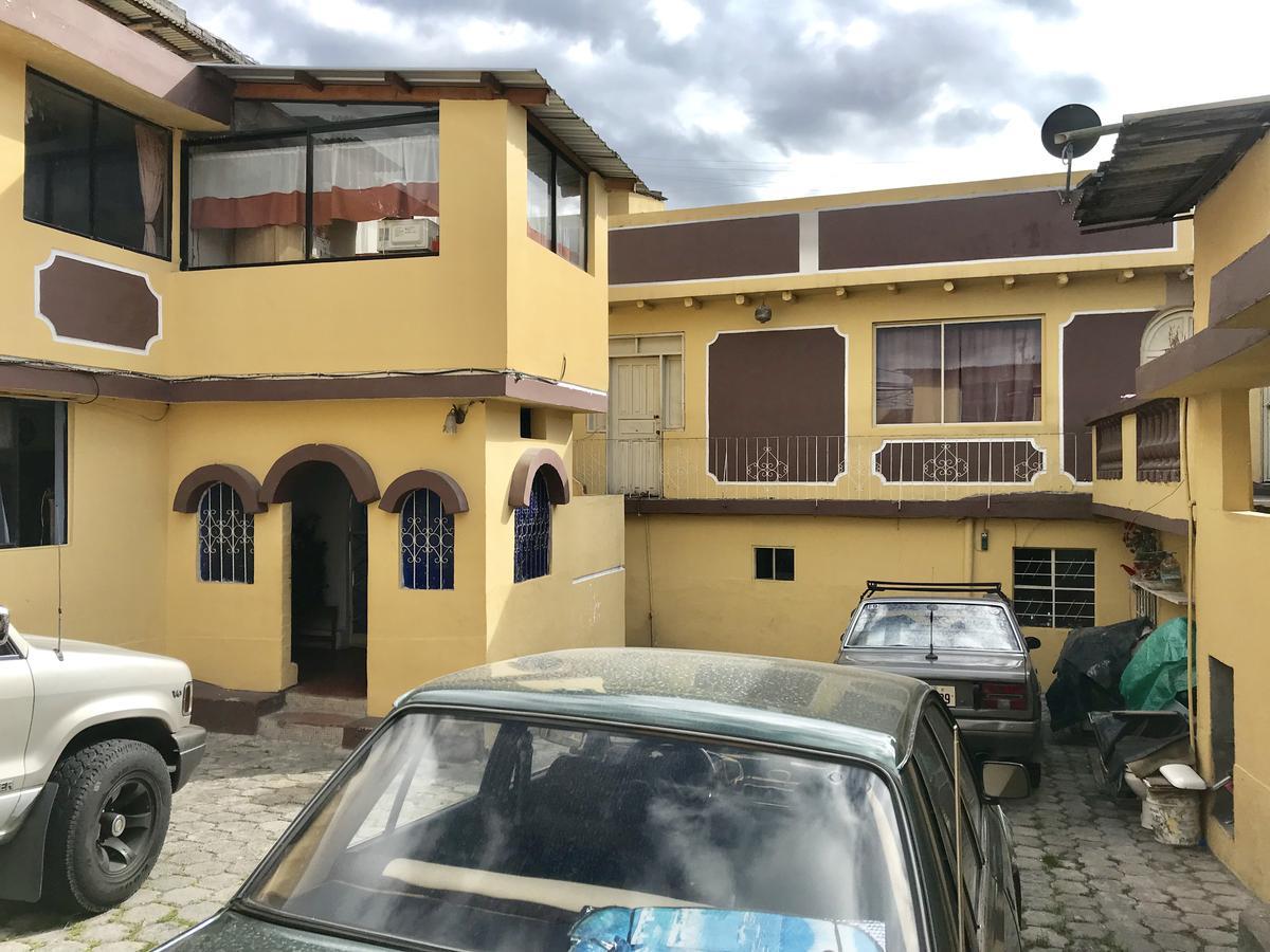 Foto Casa en Venta en  Norte de Quito,  Quito  Leonardo Murialdo y Pasaje 12A